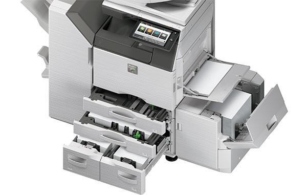 Bis 8.500 Blatt Papierkapazität A3 und A4